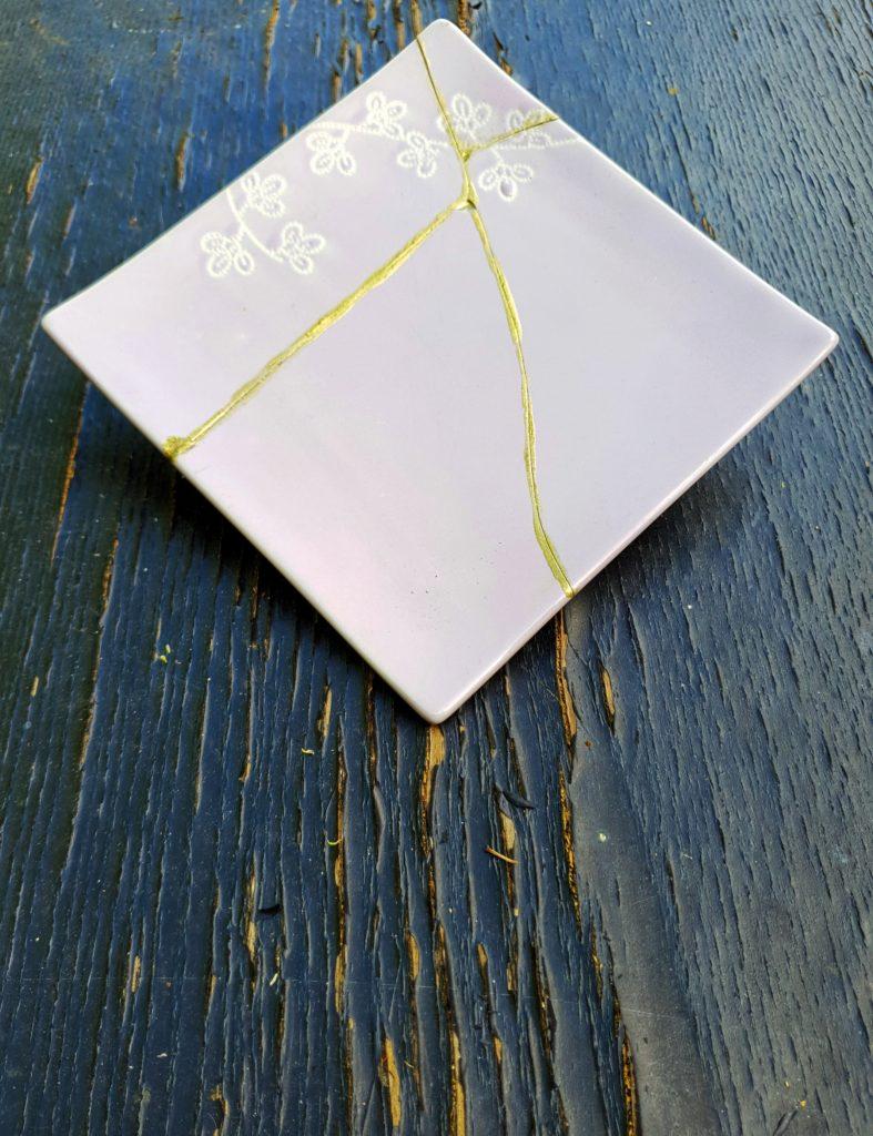 Kintsugi lilac square plate